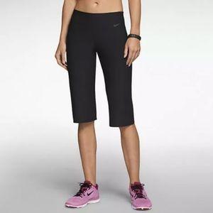 Nike Legend 2.0 Regular Fit Capri Leggings